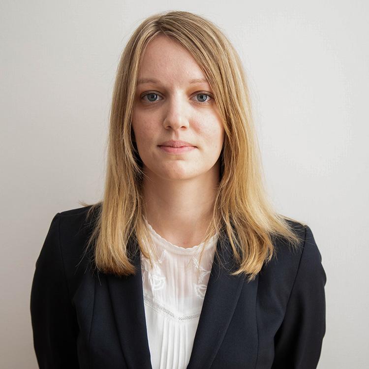 Ingrid Pasquier, Droit des sociétés, droit commercial, droit du numérique